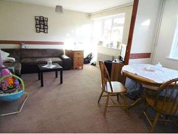3 Bedrooms Terraced House for sale in Normanton Road, Basingstoke, RG21