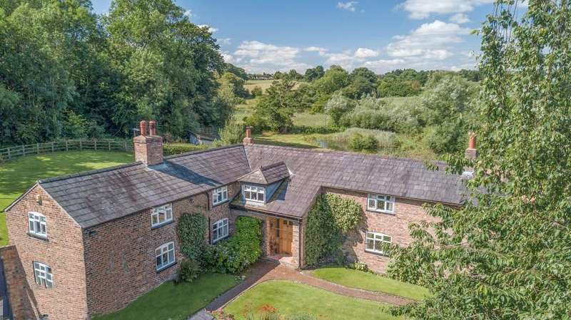 5 Bedrooms Detached House for sale in Acton Cliff Farm, Acton Bridge, CW8 2RZ