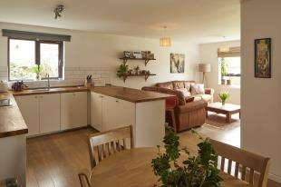 2 Bedrooms Flat for sale in St. Martins House, Lewes Road, Lewes, East Sussex