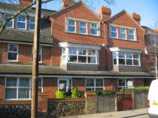 4 Bedrooms Terraced House for sale in Cobbsthorpe Villas, Queensthorpe Road, Sydenham, London