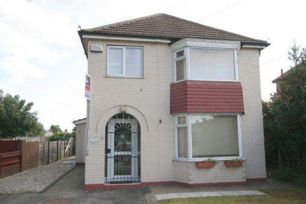 4 Bedrooms Detached House for sale in WINCHESTER AVENUE, GRIMSBY