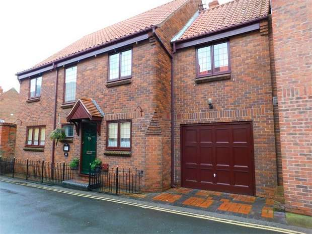 4 Bedrooms Detached House for sale in Dog Duck Lane, Beverley, East Riding of Yorkshire