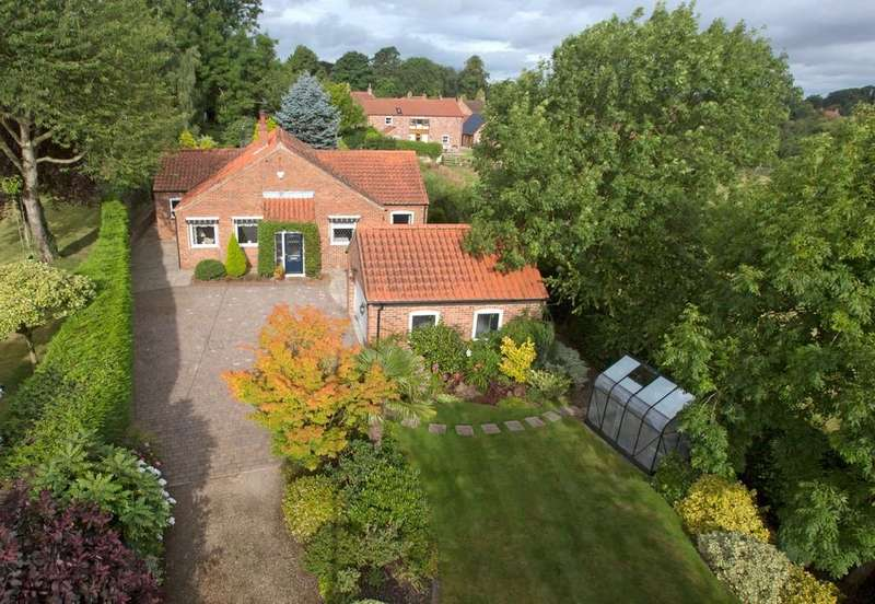 3 Bedrooms Detached Bungalow for sale in Rudgate, Whixley, York