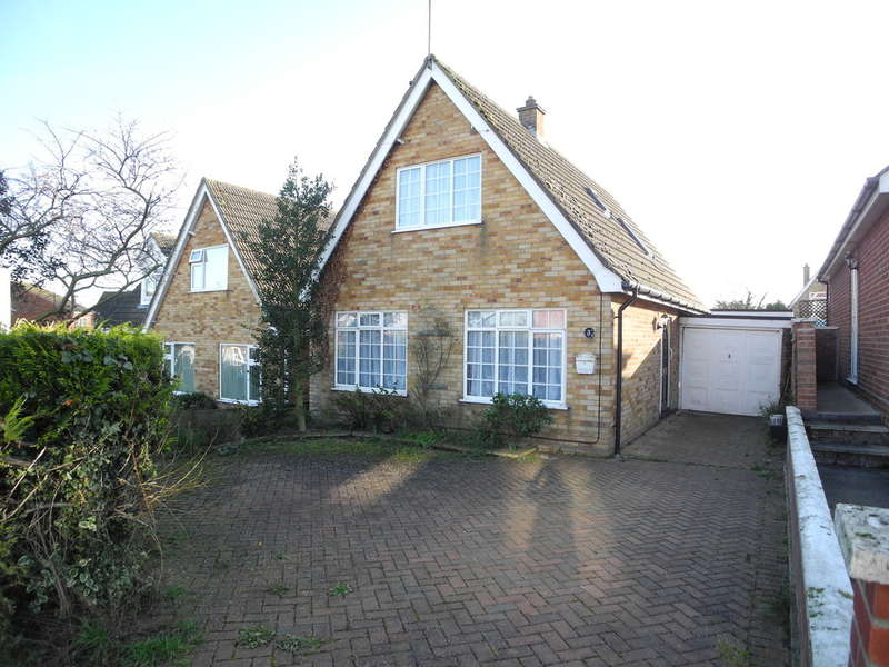 3 Bedrooms Detached Bungalow for sale in Ronden Close, Beccles