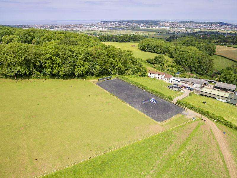 3 Bedrooms Equestrian Facility Character Property for sale in Canada Coombe, Hutton
