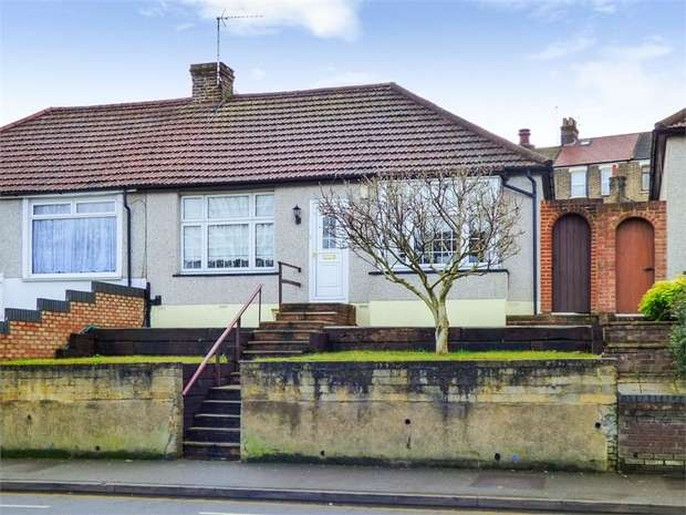 2 Bedrooms Semi Detached Bungalow for sale in Lower Road, Belvedere, Kent