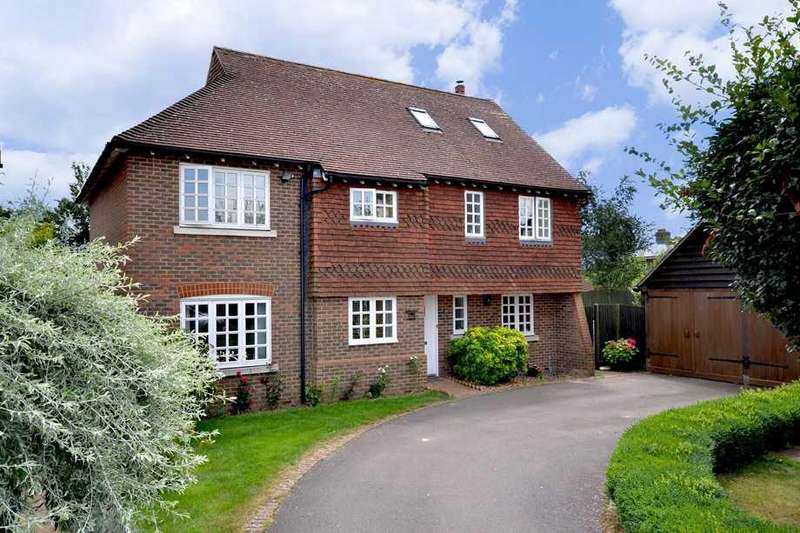 5 Bedrooms Detached House for sale in Woodchurch, TN26