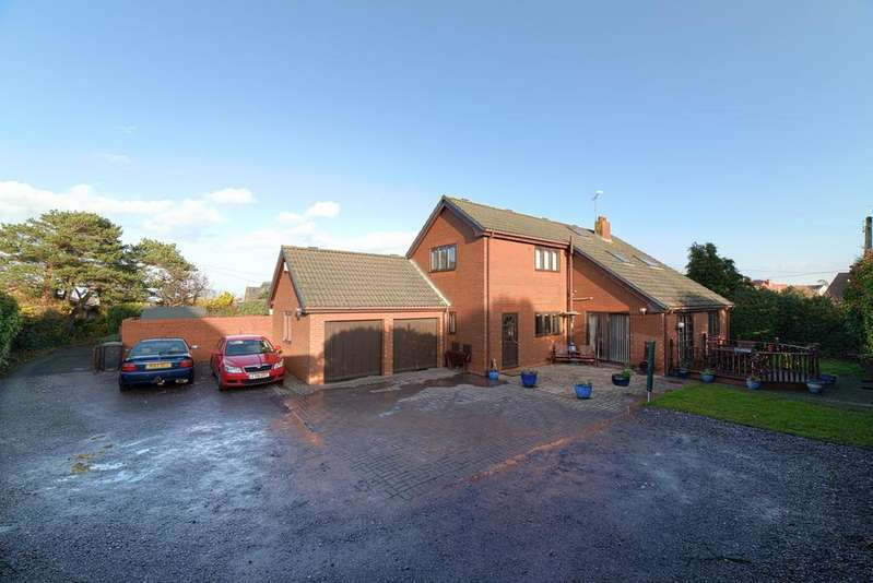 4 Bedrooms Detached House for sale in Llanfair Road, Abergele