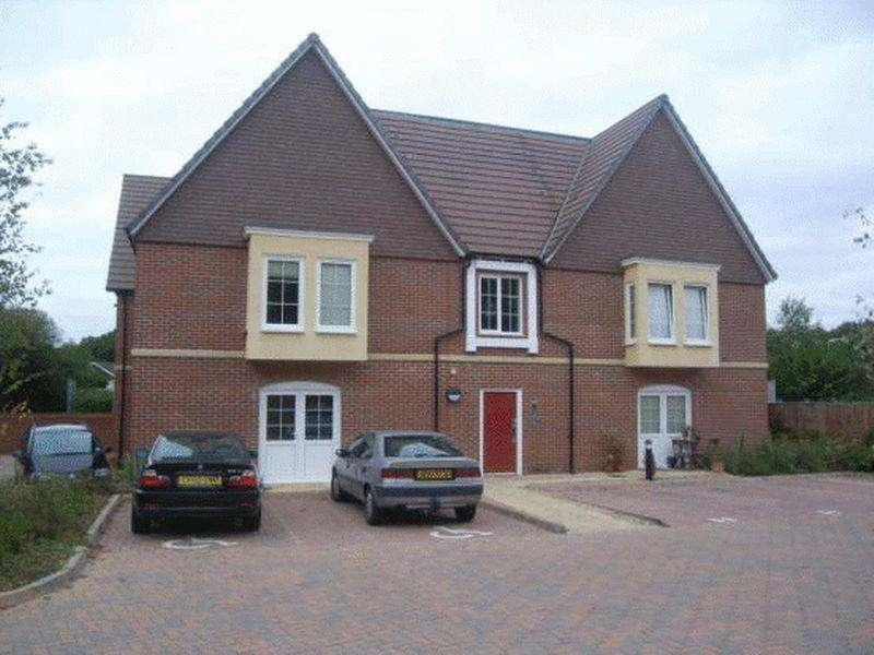 2 Bedrooms Apartment Flat for sale in Peel Close, Verwood