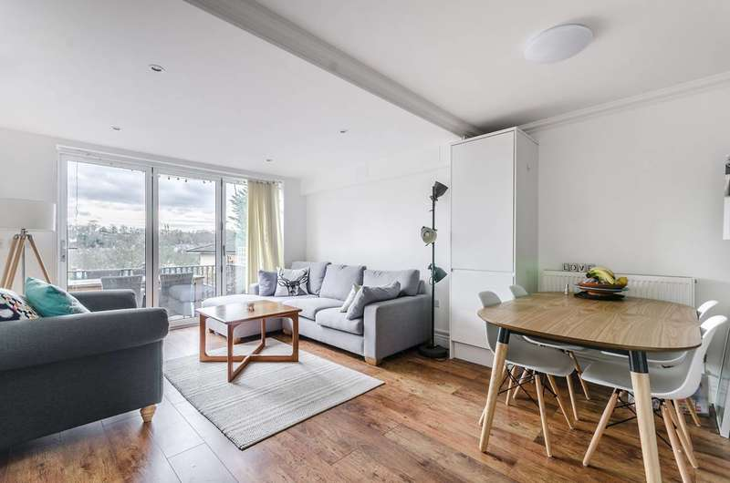 3 Bedrooms Flat for sale in Overhill Road, East Dulwich, SE22