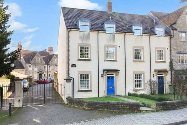 4 Bedrooms Terraced House for sale in Bath Street