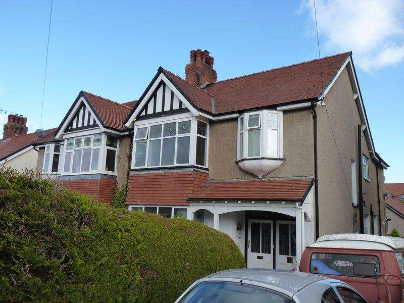 4 Bedrooms Semi Detached House for sale in Windsor Drive, Colwyn Bay