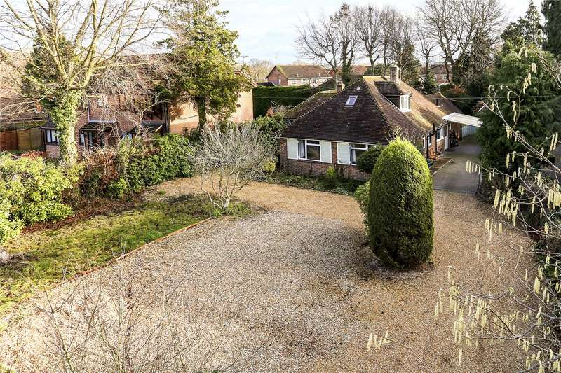 5 Bedrooms Detached House for sale in Southwood Road, Farnborough, Hampshire, GU14