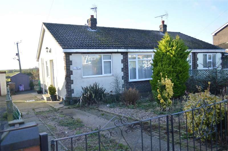 2 Bedrooms Semi Detached Bungalow for sale in Chapel Garth, Skipsea, DRIFFIELD, East Riding of Yorkshire