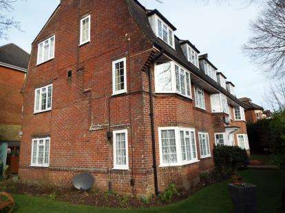 2 Bedrooms Flat for sale in 36 Hawkwood Road, Bournemouth, Dorset