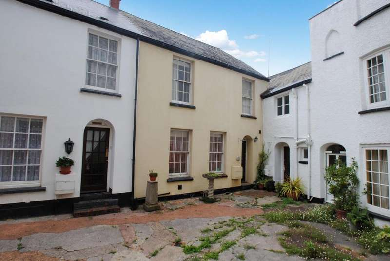 4 Bedrooms Semi Detached House for sale in The Square, Wiveliscombe