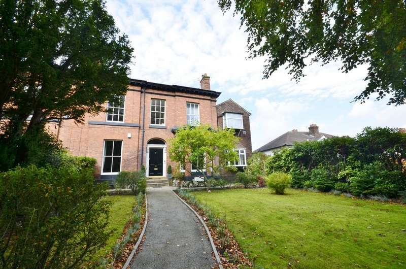 2 Bedrooms Apartment Flat for sale in Stockport Road, Timperley, Altrincham