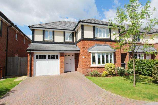 4 Bedrooms Detached House for sale in Yew Tree Avenue, Saughall, Chester, CH1