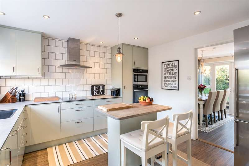 5 Bedrooms Detached House for sale in Glenville Gardens, Hindhead, Surrey, GU26