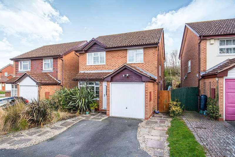 3 Bedrooms Detached House for sale in Hill Top, Tonbridge, TN9