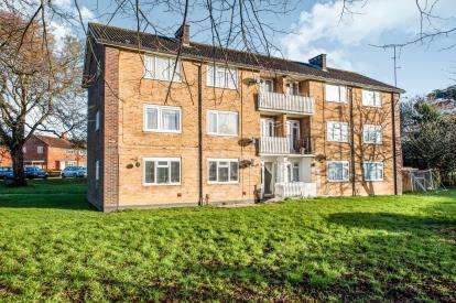 2 Bedrooms Flat for sale in Wadley Close, Hemel Hempstead, Hertfordshire, .