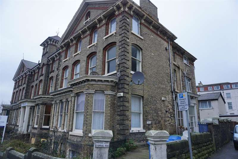 2 Bedrooms Ground Flat for sale in Ramshill Road, Scarborough, YO11 2QE