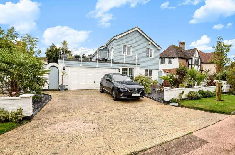 4 Bedrooms Detached House for sale in Wychwood Close, Aldwick, Bognor Regis, PO21