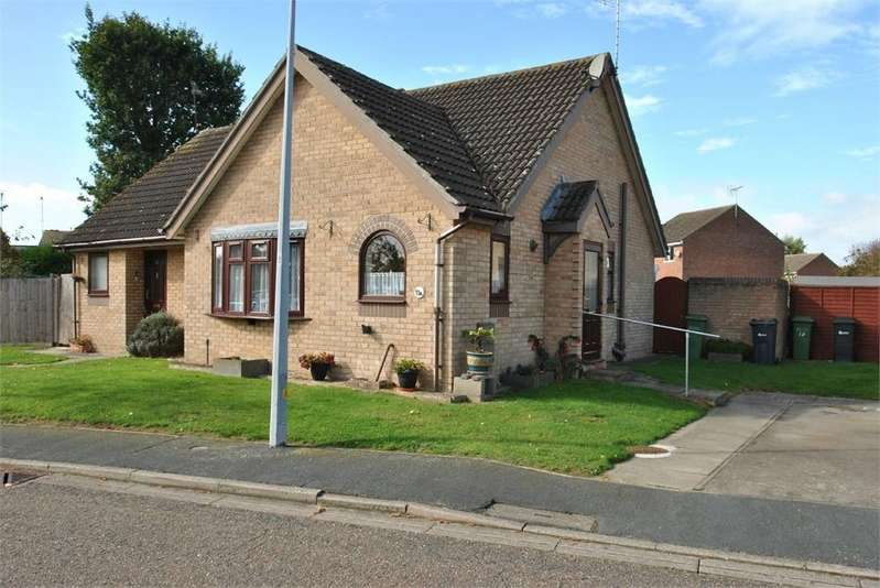 2 Bedrooms Semi Detached Bungalow for sale in Thames Close, BRAINTREE, Essex