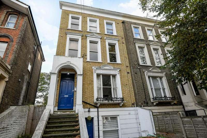2 Bedrooms Flat for sale in Parkfield Road, New Cross