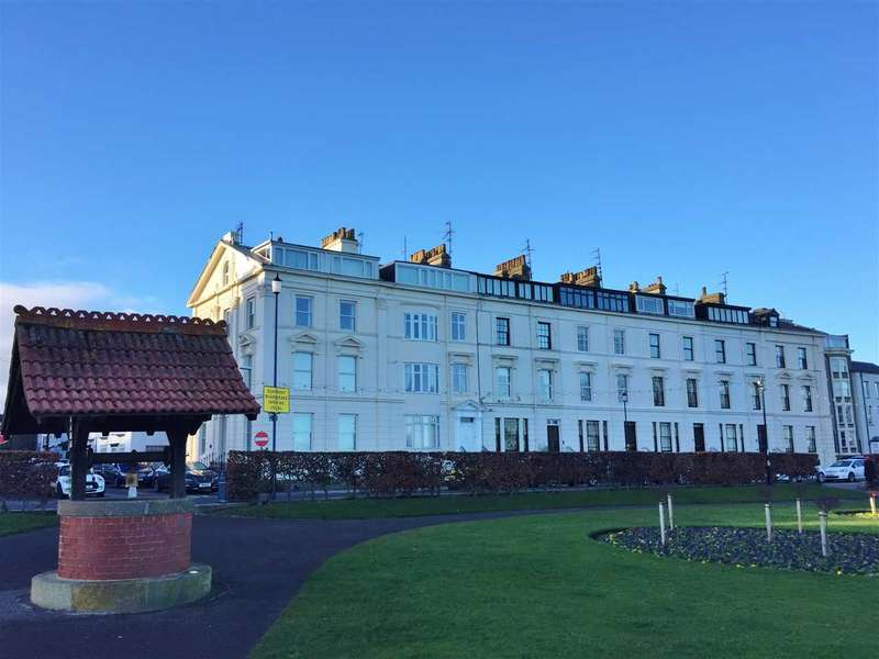 2 Bedrooms Apartment Flat for sale in The Crescent, Filey
