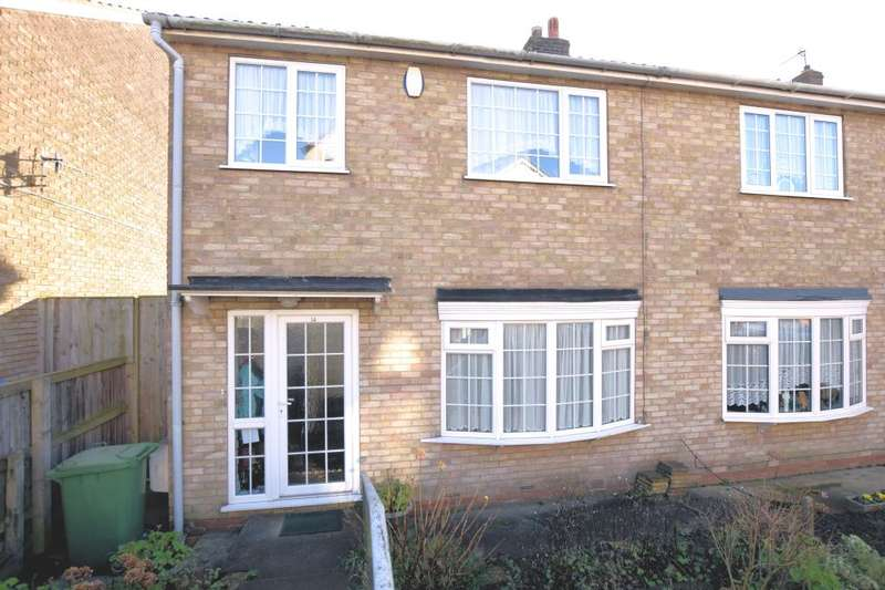 3 Bedrooms End Of Terrace House for sale in Westover Road, Scarborough, North Yorkshire YO12 5AA