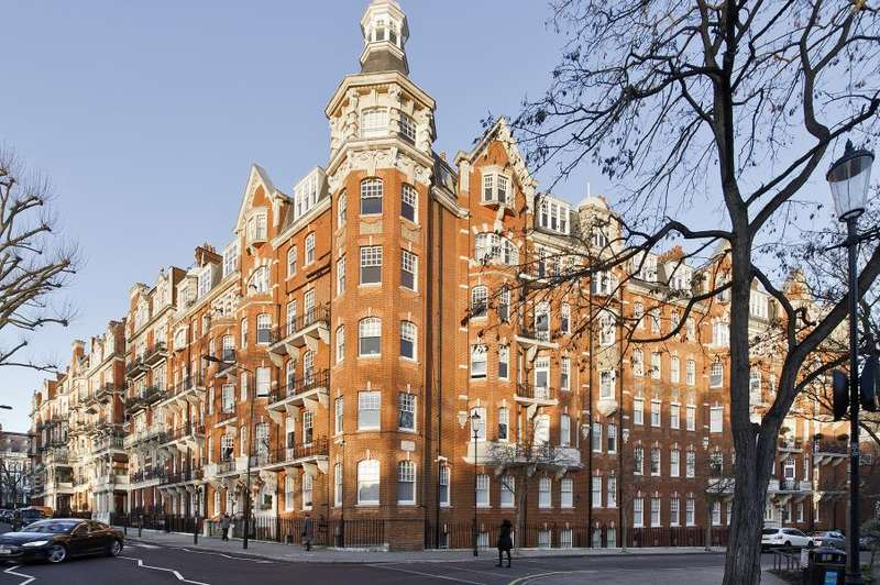 3 Bedrooms Flat for sale in Campden Hill Road, Kensington W8