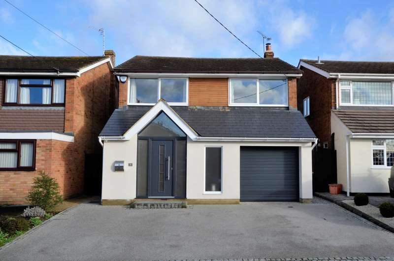 4 Bedrooms Detached House for sale in Chestnut Avenue, Billericay