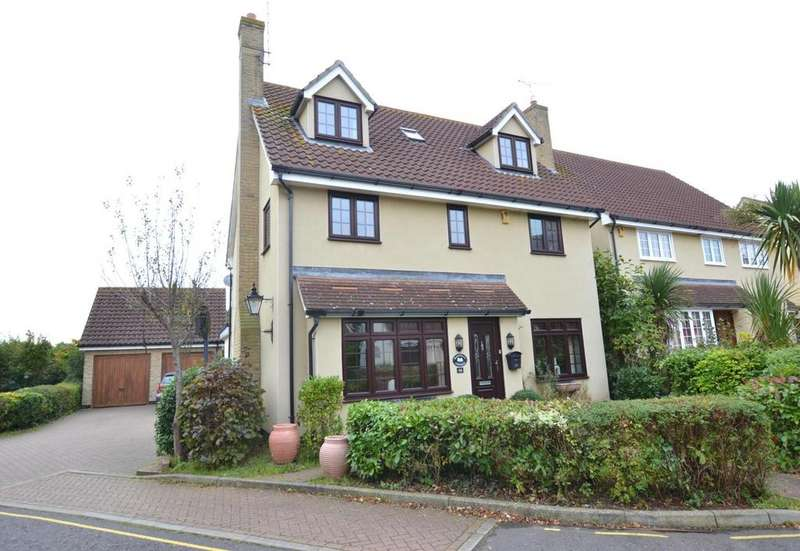 5 Bedrooms Detached House for sale in Oakwood Drive, Billericay, Essex, CM12