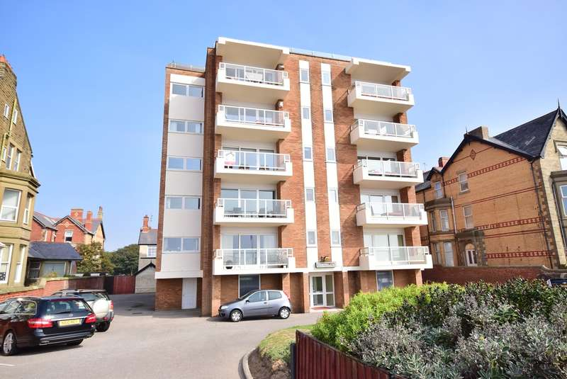 2 Bedrooms Apartment Flat for sale in 14 - 16 North Promenade, Lytham St Annes, FY8
