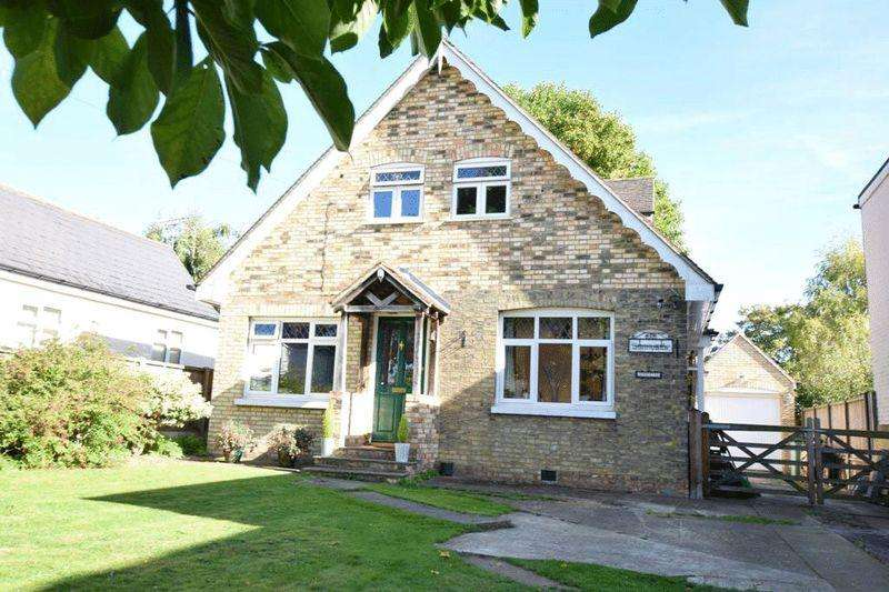 4 Bedrooms Detached House for sale in Sandling, MAIDSTONE, ME14 3AY
