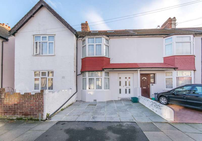 4 Bedrooms House for sale in Bank Avenue, Mitcham, CR4