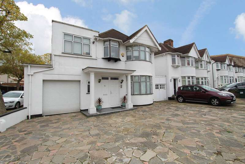 4 Bedrooms Detached House for sale in Stoneyfields Lane, Edgware, HA8