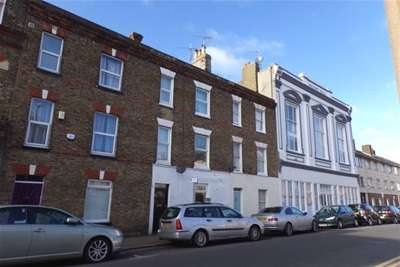 2 Bedrooms Flat for rent in High Street, Margate
