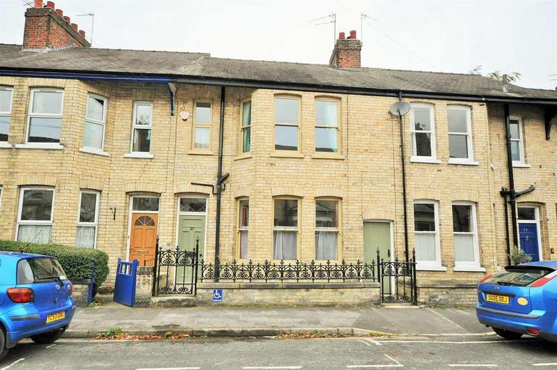 3 Bedrooms Terraced House for sale in St. Olaves Road, Bootham, York YO30 7AL