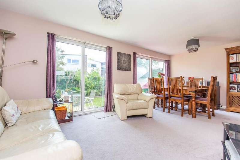 3 Bedrooms Terraced House for sale in Jermyn Court, Kempton Walk, Croydon, CR0 7XH