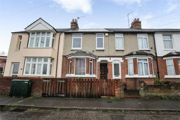 3 Bedrooms Terraced House for sale in Havelock Street, Aylesbury, Buckinghamshire
