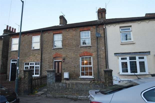 3 Bedrooms Terraced House for sale in Eleanor Road, WALTHAM CROSS, Hertfordshire