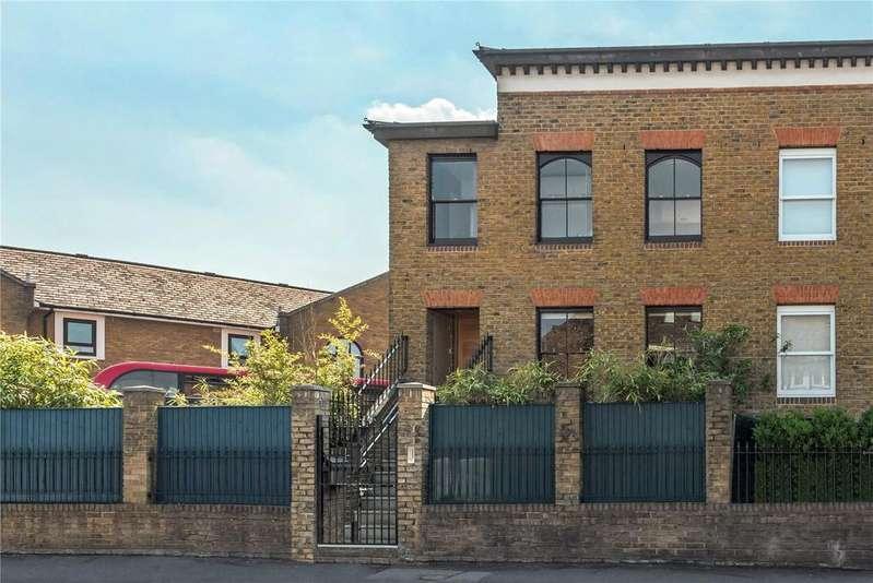 4 Bedrooms Semi Detached House for sale in Terrace Road, Victoria Park, London, E9