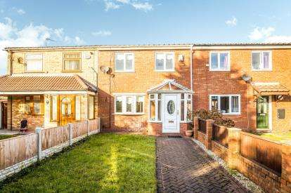 2 Bedrooms Terraced House for sale in Hoscar Court, Widnes, Cheshire, Tbc, WA8