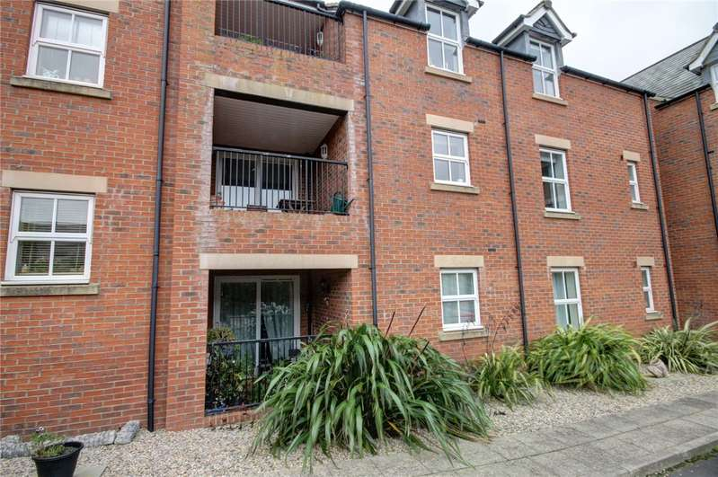 2 Bedrooms Flat for sale in Archers Court, Crossgate Moor, Durham, DH1