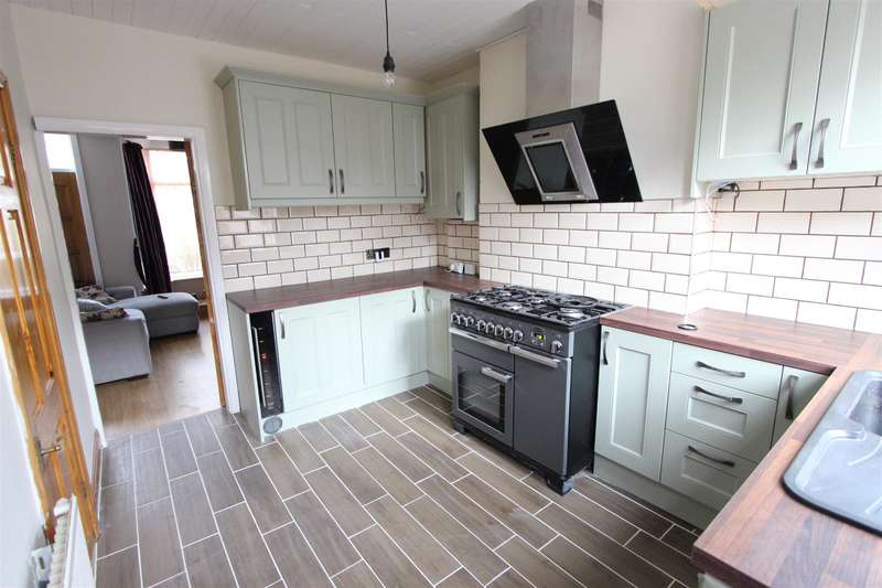 3 Bedrooms Terraced House for rent in Hunter Hill Road, Sheffield, S11 8UD