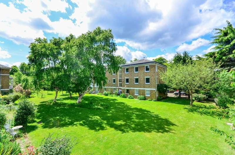 4 Bedrooms Terraced House for rent in Langford Green, Denmark Hill, SE5