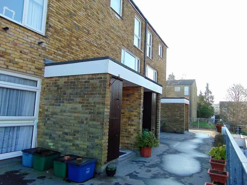 2 Bedrooms Maisonette Flat for sale in Markfield, Courtwood Lane, Croydon, CR0 9HH