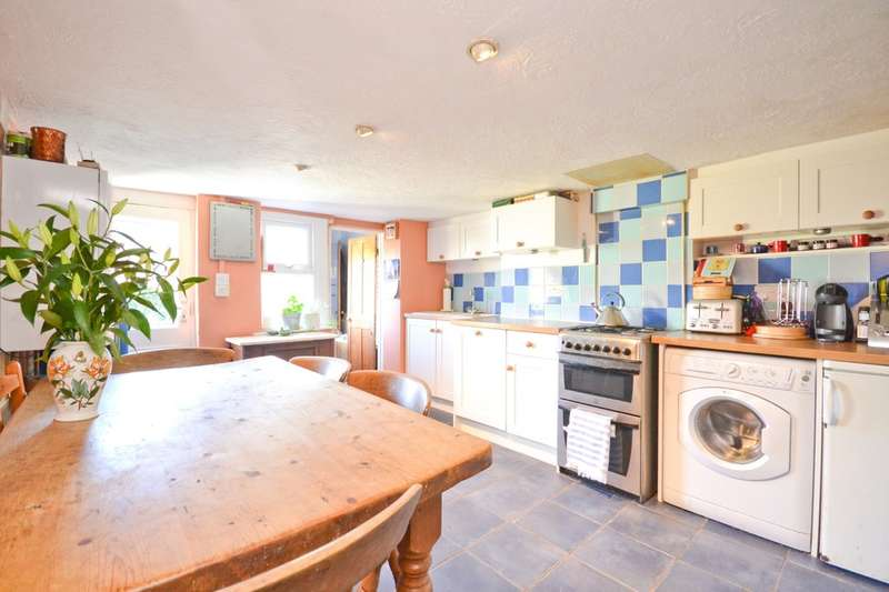4 Bedrooms Semi Detached House for sale in Albert Street, Cowes, Isle Of Wight